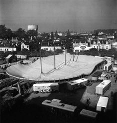 Robert Doisneau // Circus - Montage du chapiteau Pinder (2) 1949