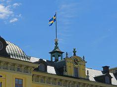 Flagga på Drottningholms Slott.