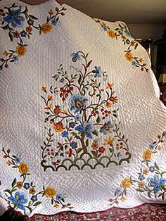 Lovely applique quilt