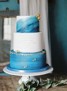 Blue and Gold Bohemian Wedding Ideas | Wedding Sparrow | Lucy Davenport