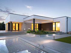 DOM.PL™ - Projekt domu TP Artus 2 CE - DOM TP2-17 - gotowy koszt budowy Minimal House Design, Small House Design, Flat Roof House, House Front, Concept Architecture, Modern Architecture, Single Storey House Plans, My House Plans, Mexico House