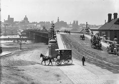 On this day in Pyrmont Bridge was first opened to connect pedestrian and coach traffic to the city. This image of the entrance to the… Australian Photography, Ville New York, Botany Bay, Sydney City, Largest Countries, Historical Architecture, Historical Pictures, Sydney Australia, National Museum