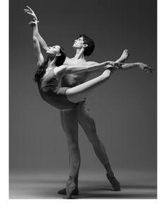 <<Oksana Skorik and Xander Parish # Mariinsky Ballet # Photo by Darian Volkova>> Couple Dance Photography, Figure Photography, Ballet Photography, Amazing Dance Photography, Ballet Art, Ballet Dancers, Ballerinas, Ballet Couple, Flexibility Dance