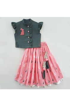 Ethnic Wear for Girls Kids Dress Wear, Kids Gown, Kids Wear, Girls Frock Design, Baby Dress Design, Baby Girl Frocks, Frocks For Girls, Baby Frocks Designs, Kids Frocks Design