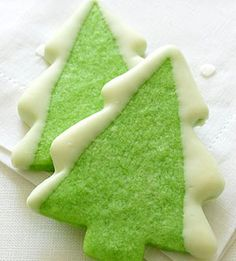"""""""Holiday Tree Cookies"""" - FYI: there is no such thing as a holiday tree. It is a Christmas tree. The Christmas tree cookies do look good. Christmas Tree Cookies, Christmas Cookie Exchange, Christmas Sweets, Christmas Cooking, Noel Christmas, Holiday Tree, Christmas Goodies, Holiday Cookies, Green Christmas"""