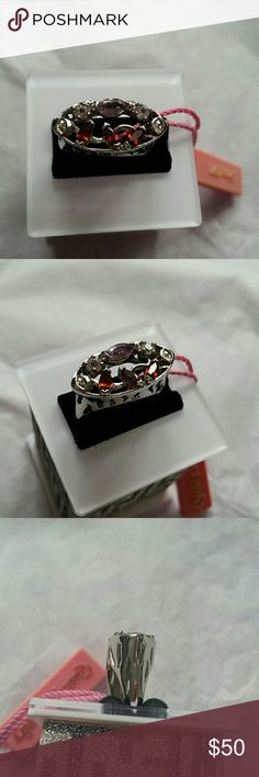New .925 Sterling silver ring New .925 Sterling silver ring   Size 7  ❤pictures are part of the description  ❤️No trades or off site transactions/communications ❤️Open to reasonable offers ❤️same day shipping Mon-Sat if purchased before 2:30pm central time  ❤️4.9 rating  ❤️Please ask questions all questions BEFORE buying. ❤PLEASE do not rate me on how the item fits you Jewelry Rings