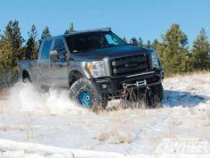 2012 Ford Raptor Super Duty Rear Three Quarter In Snow Photo 2 Lifted Trucks, Big Trucks, Ford Trucks, 2012 Ford Raptor, Ram Power Wagon, Ford Lightning, American Auto, Four Wheelers, Ford Super Duty