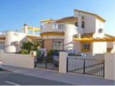 3 Dormitorios 2 Baños Villa Se Vende en Pinar de Campoverde Alicante  Excelente calidad precio para este chalecito con 203m2 de parcela en Pinar de Campoverde #MarketingInmobiliario #Casas #BienesRaices