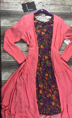 Like this LulaRoe outfit? Find this one and MORE at: https://www.facebook.com/groups/lularoebobbiesdreamers/.