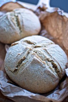 pan de semolina y romero