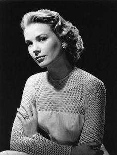 Engagement Rings Princess Grace Prince Rainier III of Monaco originally proposed to Grace Kelly with a Cartier eternity band of rubies Moda Grace Kelly, Grace Kelly Style, Princess Grace Kelly, Royal Engagement Rings, Celebrity Engagement Rings, Grace Kelly Engagement Ring, Wedding Engagement, Wedding Rings, Divas