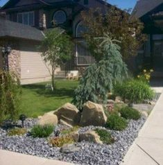 Simple And Low Maintenance Front Yard Landscaping Design Ideas 23 #lowmaintenancelandscapefrontyard