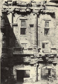 Theater of Marcellus, photo c. Roman History, Art History, Building On Fire, Best Cities In Europe, Roman Art, Lost Art, Ancient Rome, Old City, Roman Empire