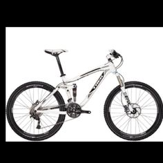 TREK MOUNTAIN BIKE- SNOW WHITE