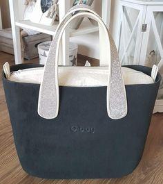O'bag Everything Designer, Leather Handbags, Clock, Chanel, Backpacks, Tote Bag, Stuff To Buy, Style, Fashion