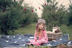 Cookies and Milk - Seattle Children Photography - Family Christmas Picture Ideas - Holidays