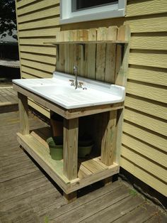 with my old kitchen sink for the BBQ patio! with my old kitchen sink for the BBQ patio! Potting Bench With Sink, Outdoor Potting Bench, Potting Tables, Outdoor Garden Sink, Outdoor Sinks, Outdoor Kitchen Design, Garden Benches, Outdoor Showers, Outdoor Kitchens