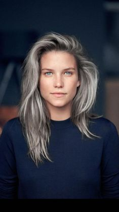 15 Stunning Silver Blonde Hair Color Ideas for 2019 - Style My Hairs Long Gray Hair, Silver Grey Hair, Silver Blonde, Blonde Brunette, Grey Hair Lady, Grey Hair Natural, Grey Hair At 40, Grey Blonde Hair, Gray Hair Highlights