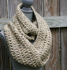 Chunky Infinity Scarf Crochet Cowl in Oatmeal por CandacesCloset, $55.00
