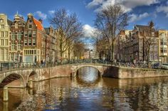 Amsterdam is one of the most charming canal cities in the world! Follow my tips to discover the best things to do in Amsterdam in 4 days!