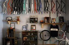 718 Cyclery in Brooklyn New York // Una Bike Shop personalizada Bicycle Store, New Bicycle, Bike Room, Hanging Frames, Shops, Cycling Bikes, Cycling Art, Retail Space, Bike Design