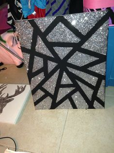Glitter canvas paint