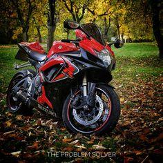 Ready for the weekend like… IG: @m_a_xik #sportbike #bikelife #suzuki #gsxr600