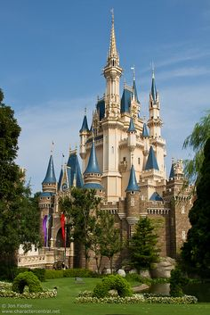 Happy 30th anniversary! #Tokyo #Disneyland, Cinderella Castle