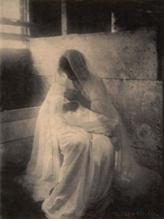 The Manger - 1899 - Photo by Gertrude Käsebier