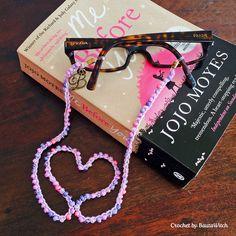DIY – Crochet eyeglass or sunglass chain with beads Crochet Chain, Diy Crochet, Beaded Crochet, Diy Glasses, Crochet Eyes, Eyeglass Holder, Crochet Accessories, Crochet Designs, Instagram