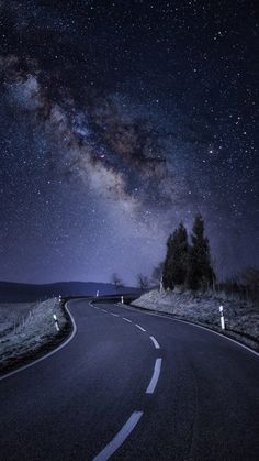 Wallpaper Iphone - Starry Night Road Galaxy Stars iPhone Wallpaper - iPhone Wallpapers - Wallpaper World Night Sky Wallpaper, Wallpaper Space, Scenery Wallpaper, Landscape Wallpaper, Dark Wallpaper, Beautiful Nature Wallpaper, Beautiful Landscapes, Beautiful Sky, Beautiful Scenery