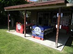 Thomas the train party (tables)