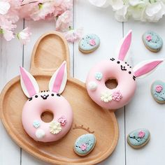 Bunny donuts! Regram @christinascupcakes  ------------------------------ Follow  @momlovesbaking Follow  #momlovesbaking ------------------------------  Like 10 posts & subscribe to my blog for awesome recipes (Link in Bio)  Tag 3 friends that would love this  Turn on post notifications to see new content ASAP ------------------------------  All rights & credits reserved to the respective owner(s) -— #bunnydonuts #chocolatedonuts #donutsforlife #donuts #donutshop #hautecuisi...