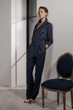 Ralph Lauren Resort 2019 New York Collection - Vogue Fashion Week, New York Fashion, Trendy Fashion, Winter Fashion, Dress Fashion, Fashion Brands, Spring Fashion, Women's Fashion, Fashion Outfits