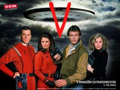 V -The Series 1984 Marc Singer/Faye Grant/Michael Ironside Sci Fi Tv Shows, Sci Fi Series, Old Tv Shows, Movies And Tv Shows, Aliens, Faye Grant, V Tv Show, Marc Singer, Tv Vintage