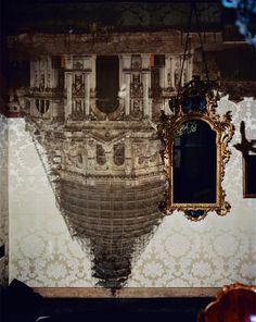 Abelardo Morell Camera Obscura of Santa Maria della Salute with Scaffolding, Venice, 2007 Pigment ink print mounted to Dibond 40 x 30 inches An image from the Haines Gallery, one of the many galleries. History Of Photography, Artistic Photography, Fine Art Photography, Amazing Photography, Bokashi, Santa Maria, Installation Art, Contemporary Artists, Online Art