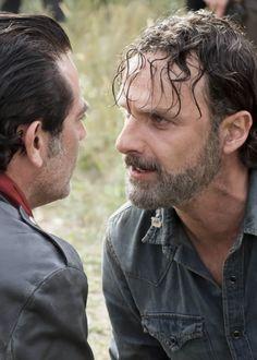 « Rick Grimes dans The Walking Dead Saison 7 Episode 16 | Le premier jour du reste de ta vie »