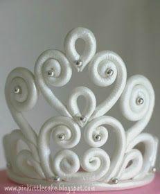 Tutorial tiara de princesa. Que lo disfruten! (How to make a tiara for a Princess cake. Enjoy!)