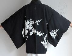 Women's Kimono Cardigan, Boho Kimono, Silk Kimono, Kimono Jacket, Kimono Fashion, Floral Jacket, Kimono Japan, Japan Outfit, Short Kimono