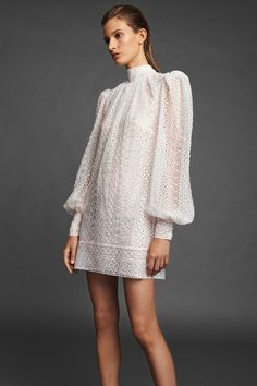 Mendel Spring 2020 Ready-to-Wear Fashion Show Collection: See the complete J. Mendel Spring 2020 Ready-to-Wear collection. Look 6 Fashion 2020, Look Fashion, Runway Fashion, High Fashion, Fashion Show, Fashion Trends, Day Dresses, Evening Dresses, Short Dresses