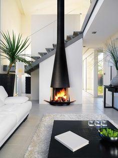 Modern Homes with Fireplaces, Beautiful Fireplace Mantel Designs – Freestanding fireplace wood burning Home Fireplace, Fireplace Design, Black Fireplace, Fireplace Ideas, Foyer Mural, Contemporary Fireplace Mantels, Modern Fireplaces, Focus Fireplaces, Casa Loft