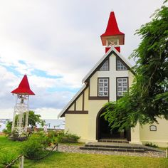 Yesterday we ventured out and did some site seeing. I absolutely fell in love with this little beachside church. #Honeymoon #SiteSeeing #EgliseCatholique #NotreDame  #Auxiliatrice #CapMalheureux #Mauritius #ExpatLife by bloominginbordeaux