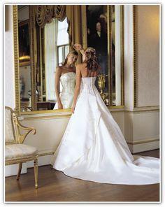 Wedding Dress Designers – Common Myths