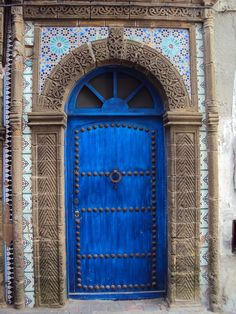 Blue door in Essaouira, Morocco. Cool Doors, The Doors, Unique Doors, Entrance Doors, Doorway, Windows And Doors, Grand Entrance, Moroccan Doors, Moroccan Blue