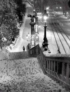 Gellert szobornal - Taban a 2 vilhab kozott ~ Winter Wonder, Vintage Photography, Tao, Arch, Black And White, History, City, Travel, Beautiful