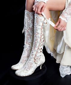Vintage Lace Wedding Boots - 'Evangeline Elliot' Cute for a country wedding :) Victorian Boots, Vintage Lace Weddings, Wedding Boots, Cowgirl Wedding, Steampunk Fashion, Steampunk Boots, Victorian Fashion, Vintage Shoes, Dress Vintage