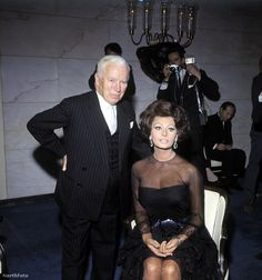 THE COUNTESS FROM HONG KONG - Director Charlie Chaplin with film's star Sophia Loren - Universal-Internatinal.
