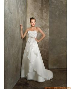 Style 4604 belle robe de mariée sans bretelle vintage décorée de perles organza