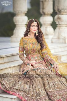 5 Dress Styles That Will Make You Look Thinner – Shopping Fashion Asian Bridal Dresses, Bridal Mehndi Dresses, Asian Wedding Dress, Bridal Dress Design, Wedding Dresses For Girls, Bridal Outfits, Indian Dresses, Pakistani Mehndi Dress, Pakistani Formal Dresses