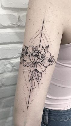 Browse for the best tattoos ideas for men and women along with good adv. Line Tattoos, Body Art Tattoos, Small Tattoos, Sleeve Tattoos, Tatoos, Lotusblume Tattoo, Piercing Tattoo, Piercings, Tattoo Fotos